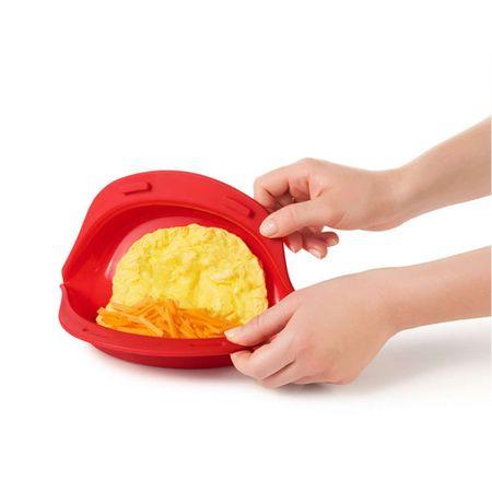 Omeleteira-para-microondas-em-silicone-vermelha-22cm-OXO